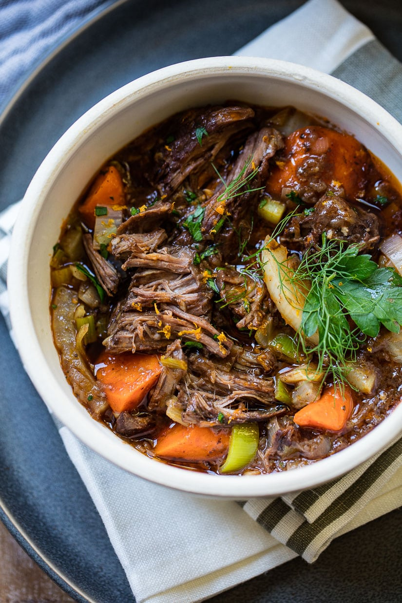 French slow cooked beef stew with red wine familystyle food french style slow cooker beef stew with red wine forumfinder Image collections