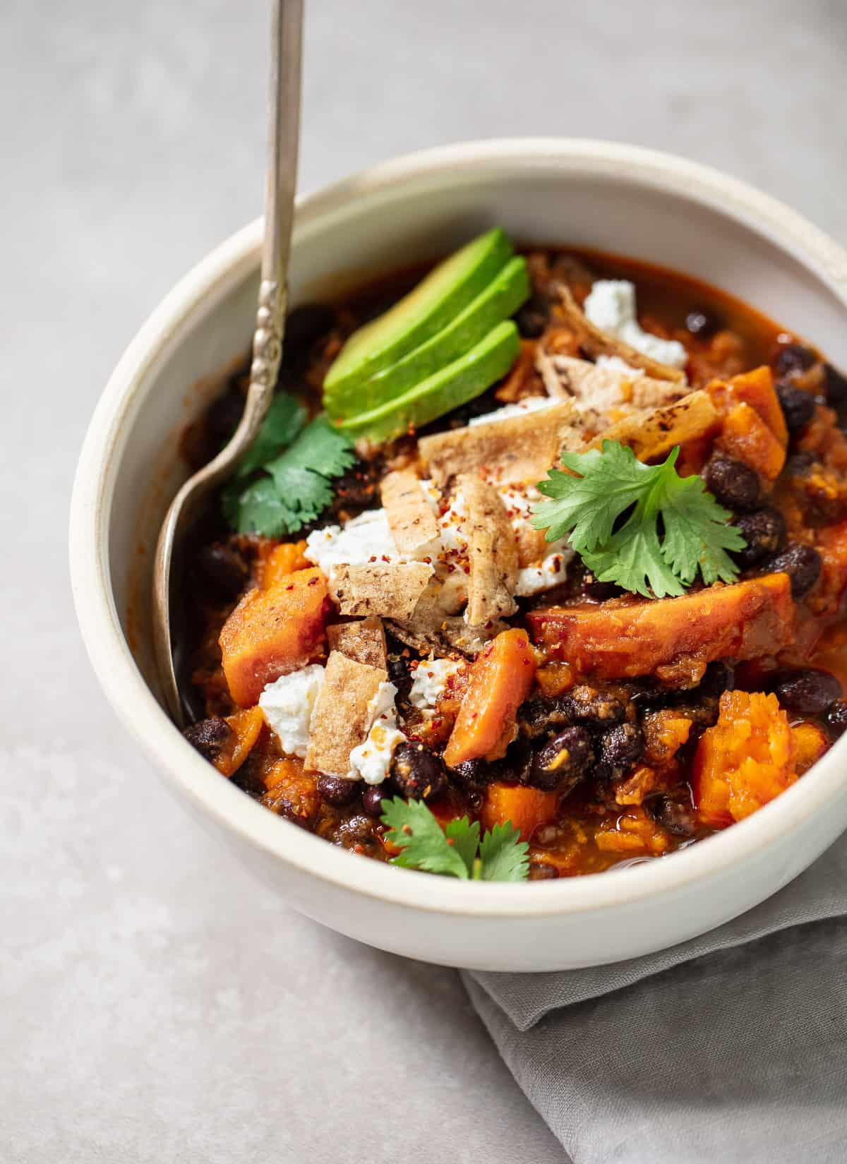 30-Minute Sweet Potato Black Bean Chili with Goat Cheese and Avocado {Vegetarian/Vegan}