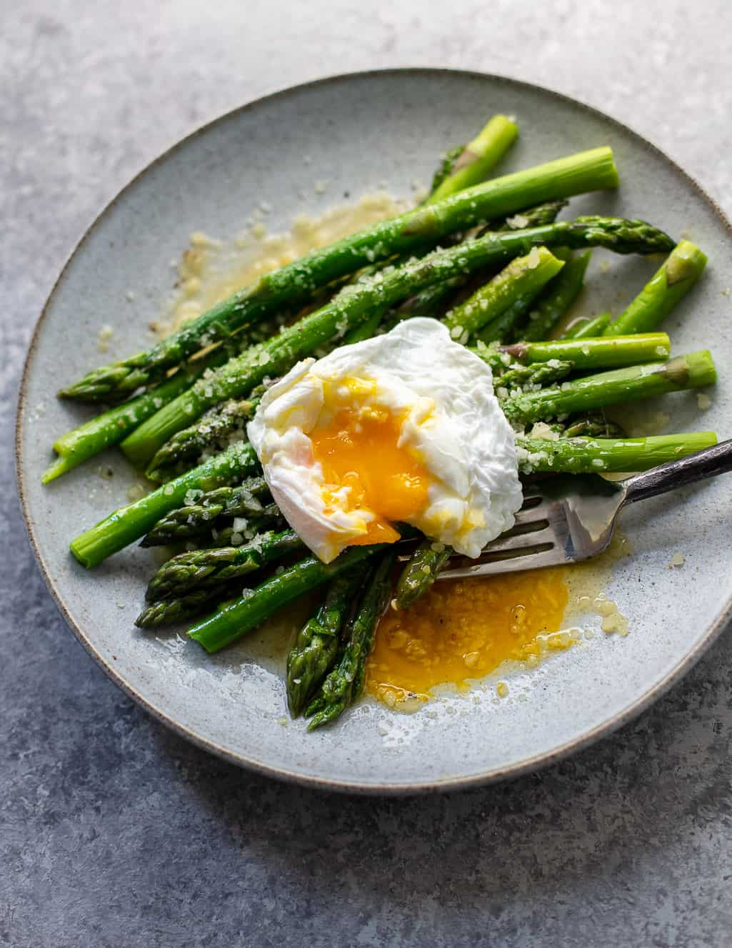Asparagus with Poached Egg and Parmesan: A perfect simple supper or intimate breakfast