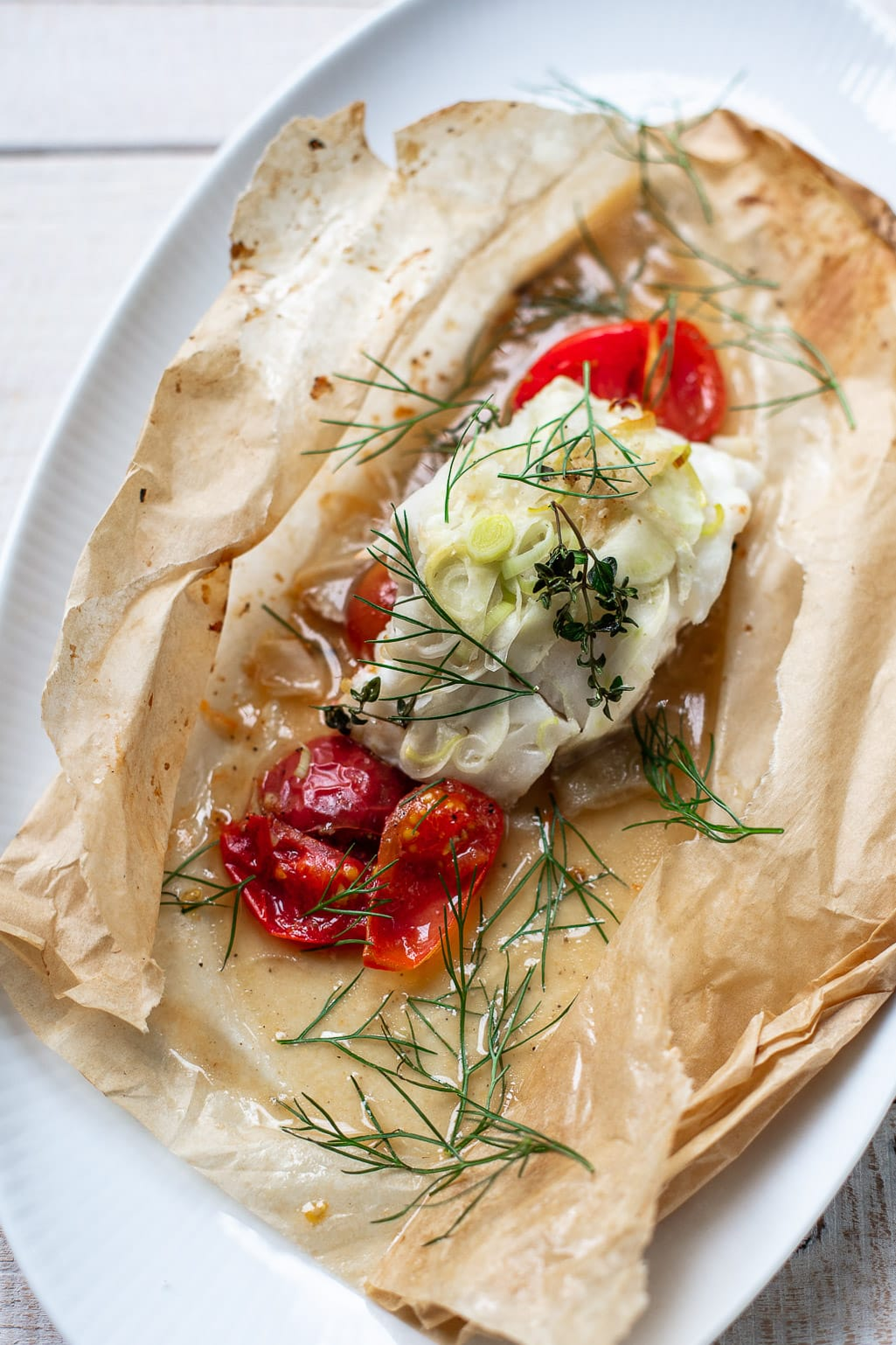 Parchment Roasted Cod with Fennel, Tomatoes and Thyme