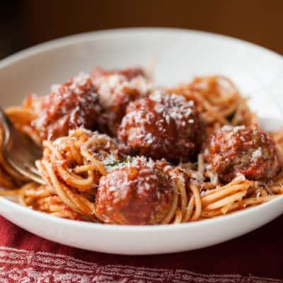 spaghetti and meatballs: familystyle