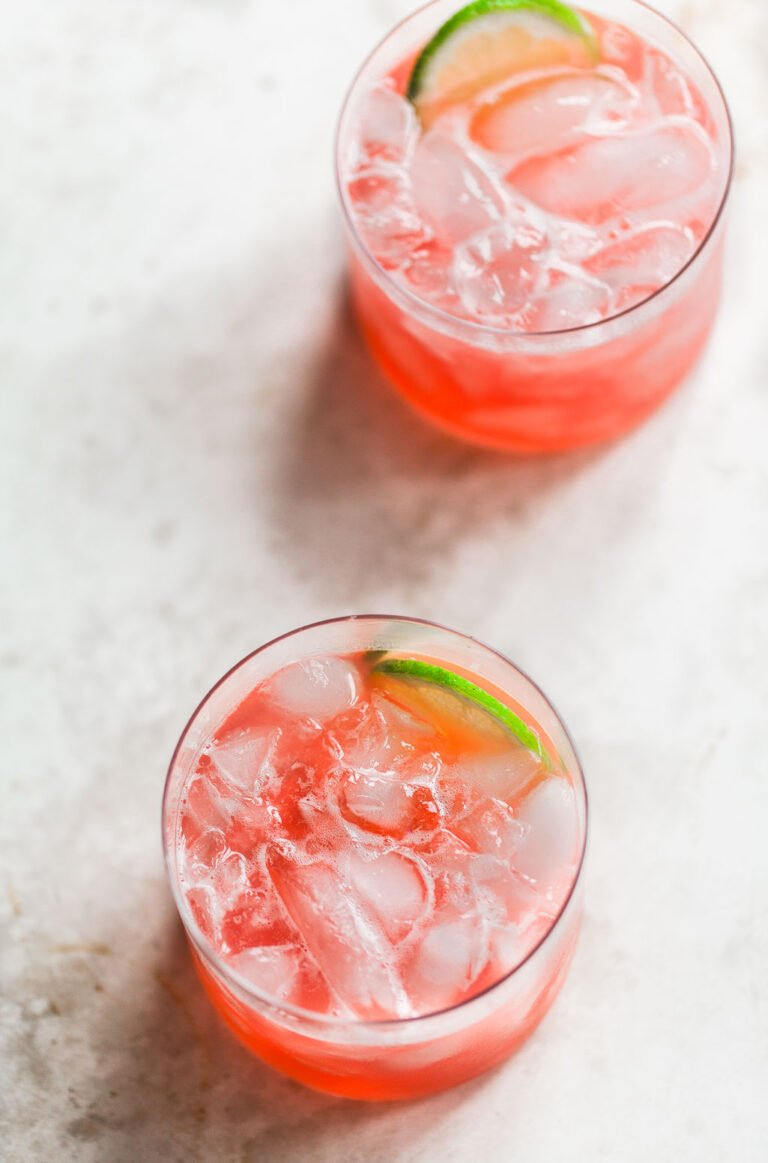 Refreshing Rhubarb Cocktail with Tequila and Lime