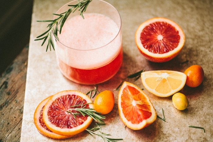 rosemary negroni cocktail