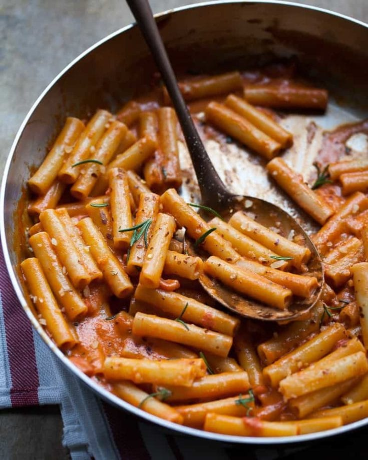 Pasta with Creamy Tomato and Gin Sauce
