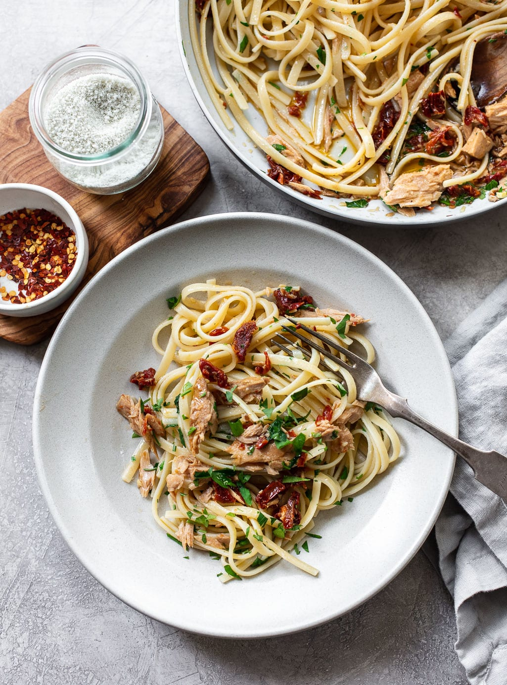 Olive Oil and Garlic Tuna Pasta Recipe