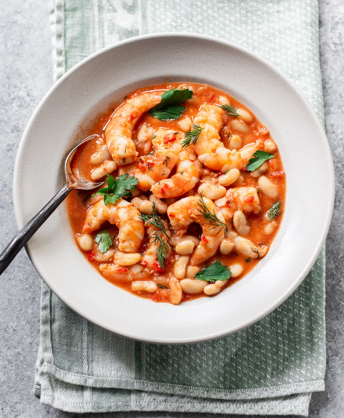 15-minute Spicy Shrimp and Cannellini Beans
