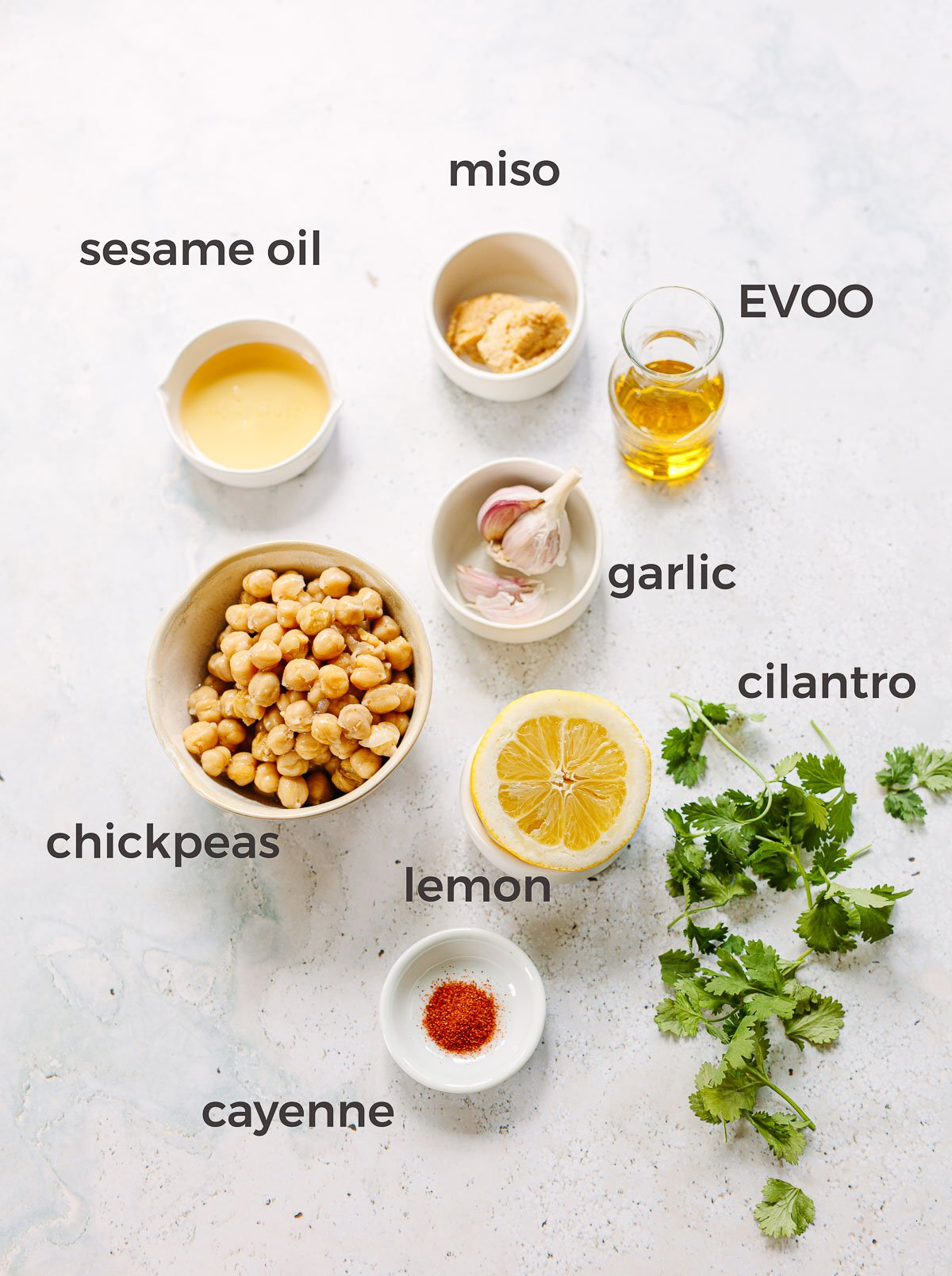 Ingredients to make homemade hummus without tahini