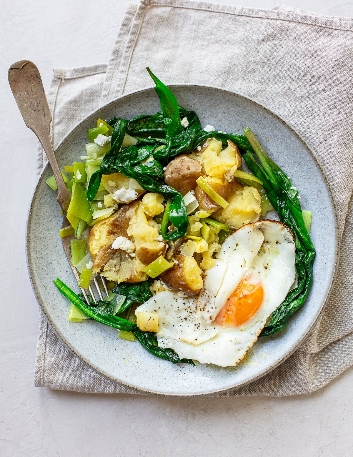 Ramp Leaves with Potatoes and Fried Egg