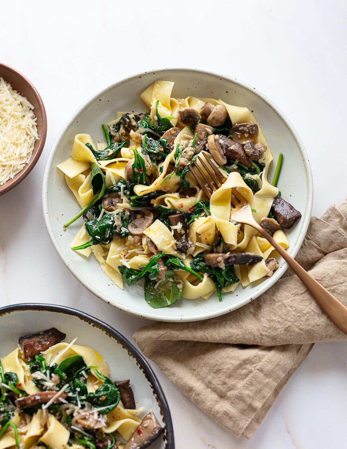 Mushroom Spinach Pasta with Shallots